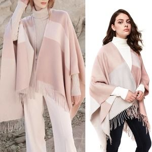 NWT Soia & Kyo Pink Cream Knit Fringe Shawl Poncho